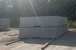 10 FT F-shape Commercial Barrier
